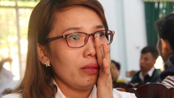 Hàng trăm giáo viên bị chấm dứt hợp đồng: 'Chạy' tiền để được đi dạy?