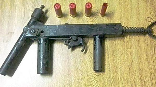 Bắt quả tang nam thanh niên vận chuyển trái phép 7 khẩu súng tự chế trên địa bàn thành phố Hải Dương