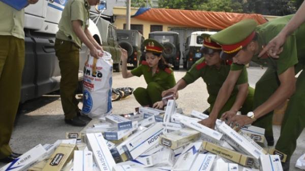 NÓNG: Bắt khẩn cấp thanh niên Hải Dương khi vận chuyển hơn 6.700 bao thuốc lá lậu