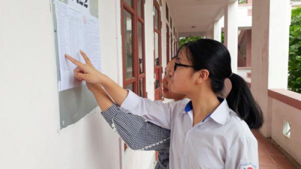 Hà Tĩnh: Thí sinh làm thủ tục dự thi tuyển sinh vào lớp 10 THPT