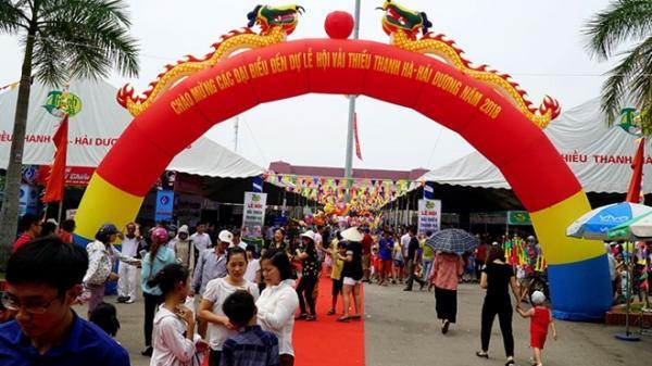 Hàng vạn người tham gia Lễ hội vải thiều lần đầu tiên ở Hải Dương