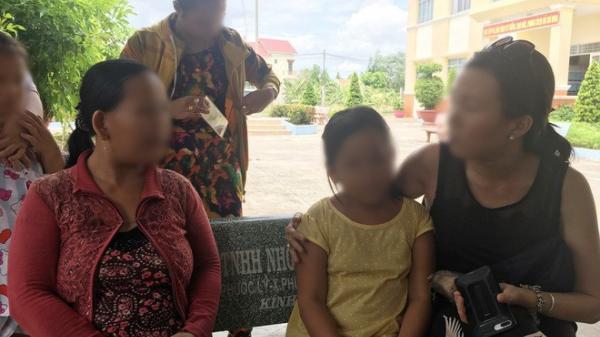 Khởi tố, bắt tạm giam bố ruột bị tình nghi h iếp dâm con gái 10 tuổi