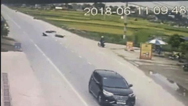 Chia sẻ clip va chạm giữa 2 xe máy, nhưng bình luận của dân mạng mới là điều gây sốt