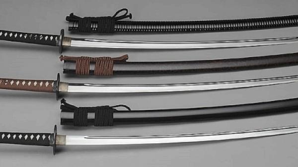 """Hiệp Hòa (Bắc Giang): Bắt """"nữ quái"""" buôn ma túy, tàng trữ súng thể thao và kiếm Nhật"""