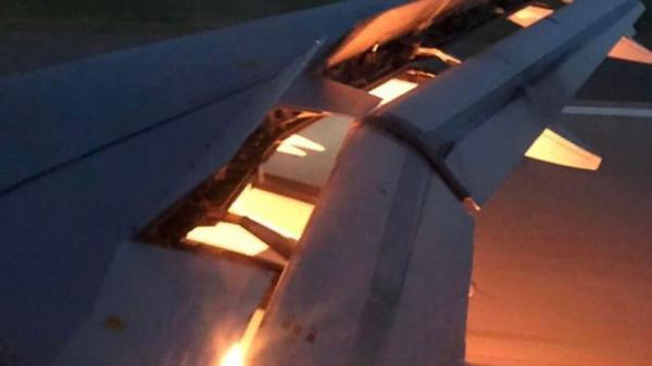 NÓNG: Máy bay chở đội tuyển Saudi Arabia dự lượt trận 2 World Cup 2018 bốc cháy trên không