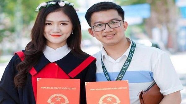 Nữ sinh được thầy giáo cầu hôn trên sân khấu lễ tốt nghiệp