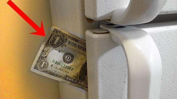Chỉ cần nhét một tờ giấy vào khe cửa tủ lạnh, bạn có thể tiết kiệm tiền điện đáng kể cho nhà mình