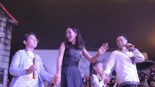 Gia đình Hoàng Bách biểu diễn cùng người khuyết tật ở Sapa