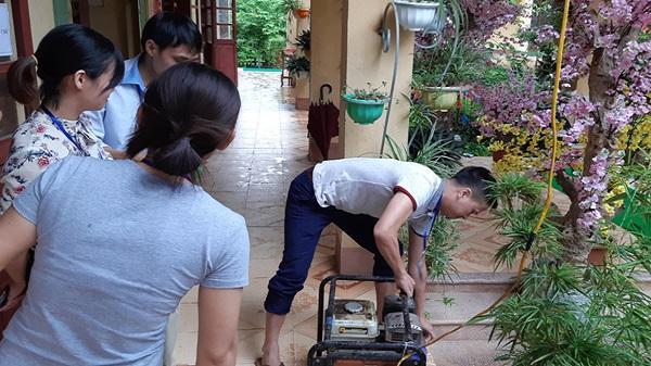 Lào Cai: Chuyện bên ngoài phòng thi