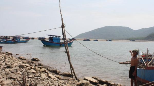 Hà Tĩnh: 8 năm không xây xong một khu neo đậu thuyền tránh bão?