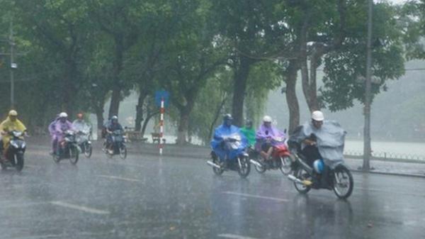 CẢNH BÁO: Bắc Giang và các tỉnh miền Bắc sẽ có mưa dông và tố lốc