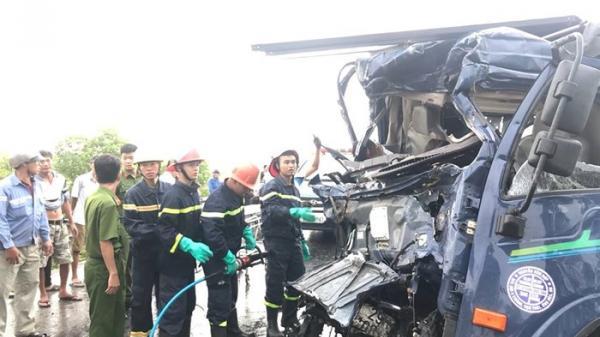 Tai nạn liên hoàn giữa hai xe tải và ô tô, 3 người thương vong