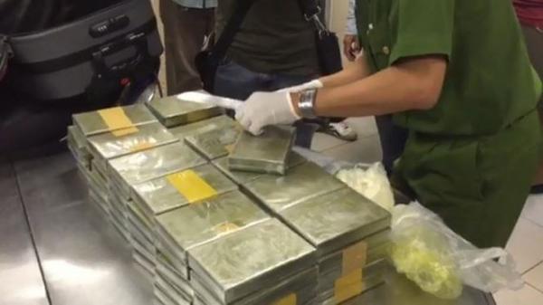 Đánh sập đường dây ma tuý cực 'khủng', thu 179 bánh heroin
