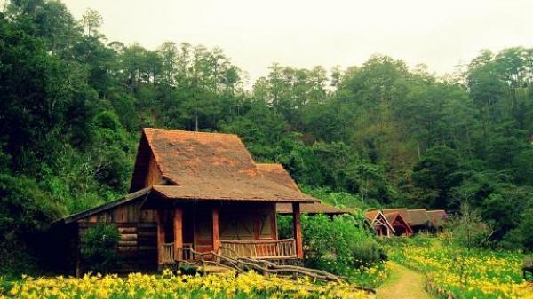 Đi dọc miền đất nước để ngắm những ngôi làng bước ra từ trong chuyện cổ tích