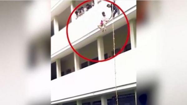 Tham gia buổi diễn tập chống thiên tai, nữ sinh bị hướng dẫn viên đẩy ngã thiệt mạng tại chỗ