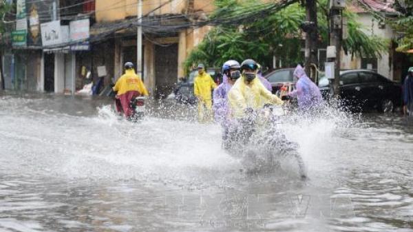 Thời tiết 16/7: Nhiều vùng mưa dông, Bắc Giang và các tỉnh Bắc Bộ khả năng tố lốc, gió giật mạnh