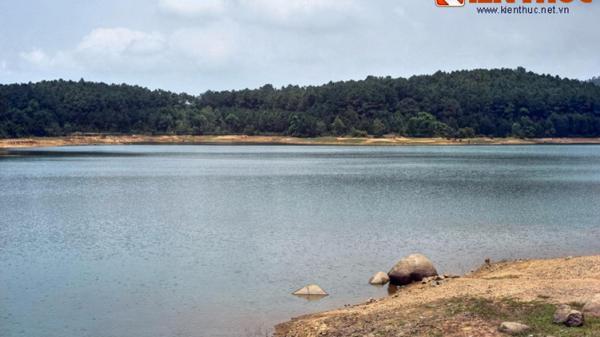 Ngất ngây trước vẻ đẹp của hồ Thiên Tượng ở Hà Tĩnh