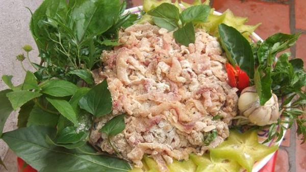 Gỏi cá mè - món ăn dùng để đãi khách quý của người dân Hiệp Hòa - Bắc Giang