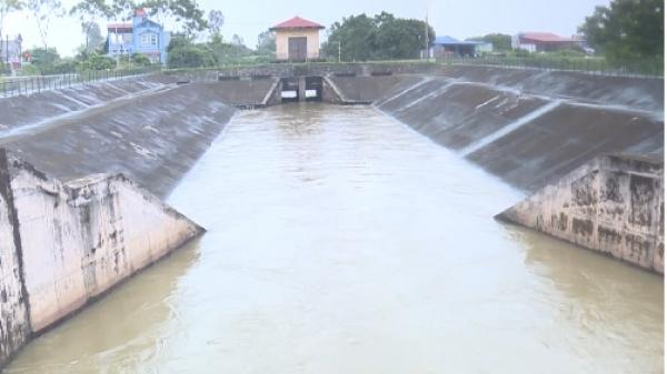 NÓNG: Báo động cấp I trên tuyến đê tả sông Luộc, Hưng Yên