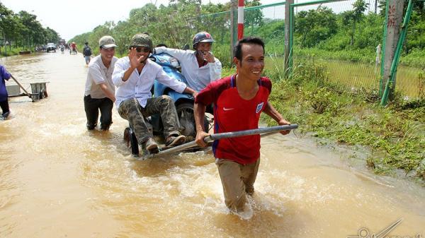 Dịch vụ cực lạ trên đại lộ hiện đại nhất Việt Nam, 'hốt' tiền được triệu mỗi ngày