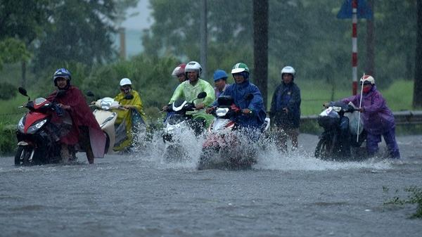 [CẢNH BÁO] Từ chiều tối, đêm nay các tỉnh Bắc Bộ tiếp tục mưa lớn kéo dài tới đầu tháng 8