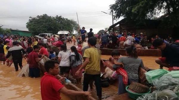 NÓNG: Vỡ đập thủy điện, hàng trăm người c.hết và mất tích