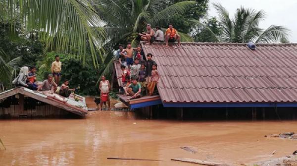 Video dòng lũ kinh hoàng sau vụ vỡ đập tại Lào