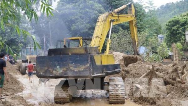 Nóng: Quốc lộ 37 ở Yên Bái lại bị sạt lở, việc tiếp cận vùng lũ gặp khó khăn