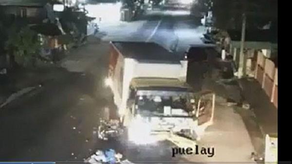 Vụ tai nạn xảy ra lúc 2 giờ sáng khiến ai cũng phải rùng mình khi xem lại camera