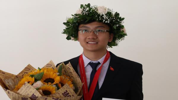 Em Trịnh Duy Hiếu đến từ Bắc Giang giành Huy chương Bạc Olympic Vật lý quốc tế năm 2018