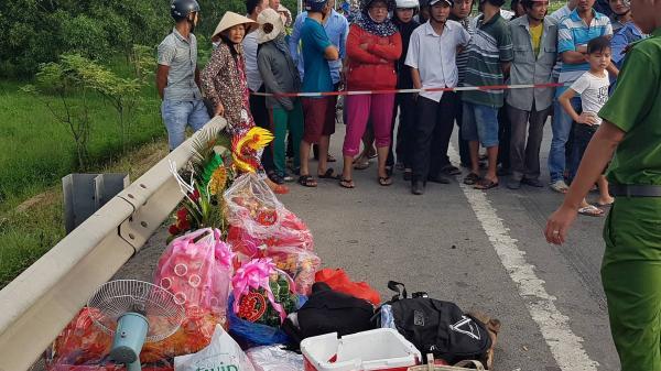 Vụ tai nạn KINH HOÀNG: Anh trai chú rể điều khiển ô tô 4 chỗ chở 2 cháu nhỏ theo sau, thoát nạn trong gang tấc