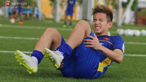 [HUNG TIN ĐỐI VỚI U23]: Hồng Duy Pinky và Trọng Đại dính chấn thương nặng phải chia tay U23 Việt Nam