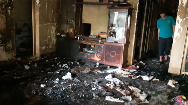 Hòa Bình: Cháy nhà giữa đêm, 3 người bất tỉnh vì ngạt khói