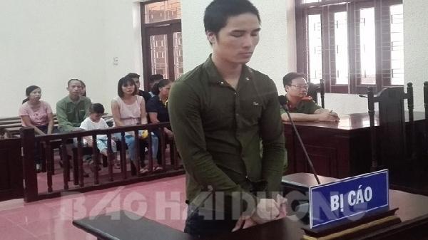 Hải Dương: Thanh niên cao ráo, trắng trẻo cướp tiền rồi mua iphone cho bạn gái lãnh án