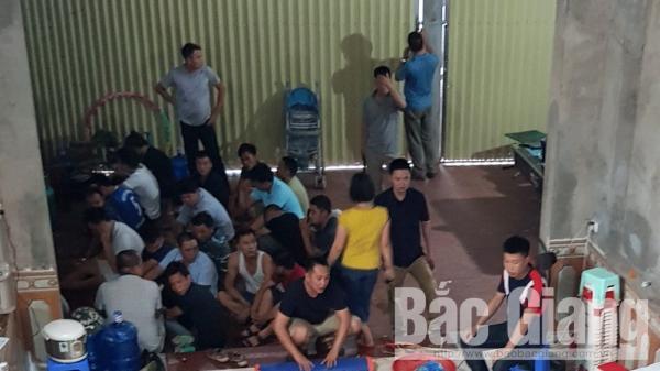 Lục Ngạn (Bắc Giang): Triệt phá sới bạc LỚN, tạm giữ 18 đối tượng