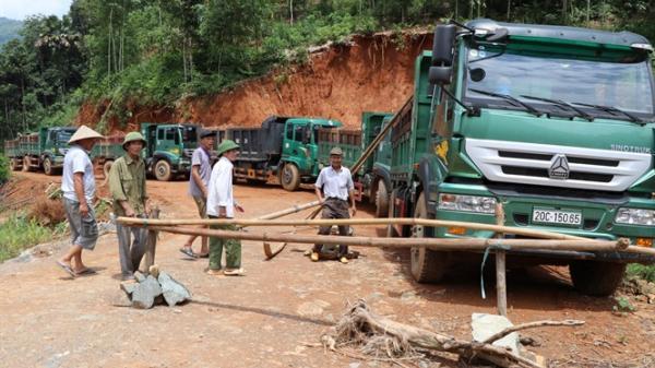 Trấn Yên: Hàng ngàn khối bùn thải nhà máy tuyển quặng vùi lấp sự sống của dân