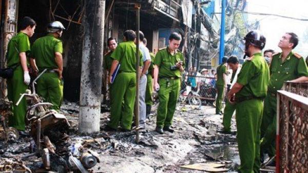 Vụ cô gái trẻ ở Ninh Bình tử v.ong thương tâm trong phòng trọ:  Huy động 40 cảnh sát PCCC được huy động để dập lửa