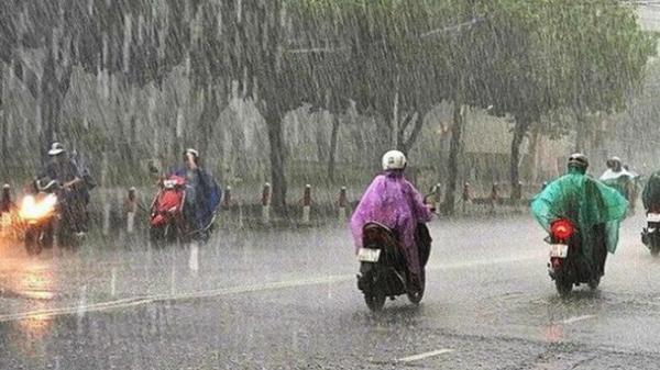 Vùng áp thấp trên biển Đông đã mạnh lên thành áp thấp nhiệt đới, cả nước mưa dông