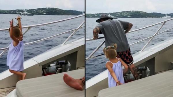 Cha mải buôn điện thoại, con gái 4 tuổi hành xử thu hút hàng triệu lượt xem