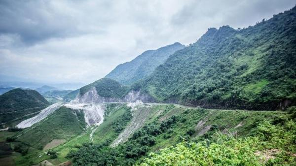"""Không xa Yên Bái có một ngọn đèo phủ đầy """"tuyết trắng"""" quanh năm đẹp tựa trời Âu"""