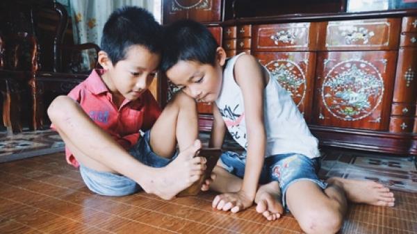 Hành trình của cậu bé Bắc Giang viết cuộc đời bằng đôi chân nhỏ khiến ai cũng xúc động