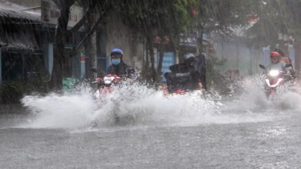 Xuất hiện vùng áp thấp mới, Bắc Bộ tiếp tục có mưa to, Hòa Bình cảnh báo mưa rất to và sạt lở