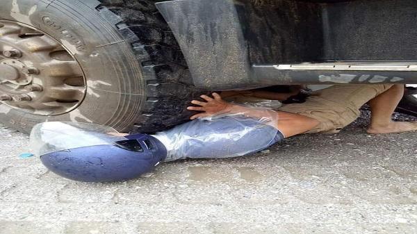 Yên Bái: Người đàn ông mắc kẹt dưới bánh xe container và 1 giây may mắn đến khó tin