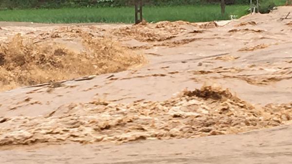 Phú Thọ: Mưa lớn, hơn 400 hộ dân bị cô lập