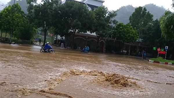Mưa lũ ở miền núi phía Bắc: Lai Châu xuất hiện lũ ống, Lào Cai sập ngầm