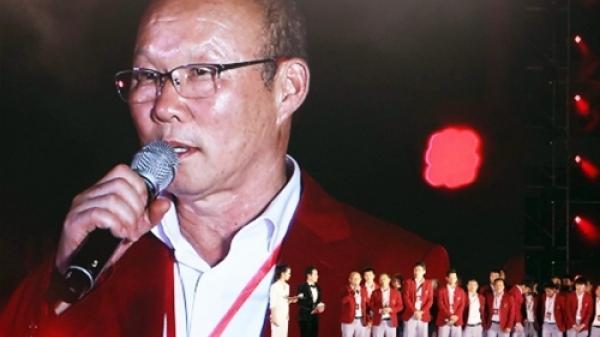 Cả Châu Á ngả mũ trước cách người hâm mộ chào đón Olympic Việt Nam