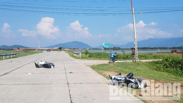 Lục Nam (Bắc Giang): Hai người bị thương do va chạm giao thông