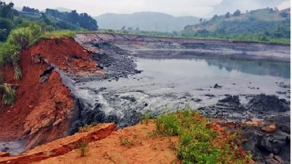 Hiện trường vụ vỡ đập chứa chất thải tại Lào Cai