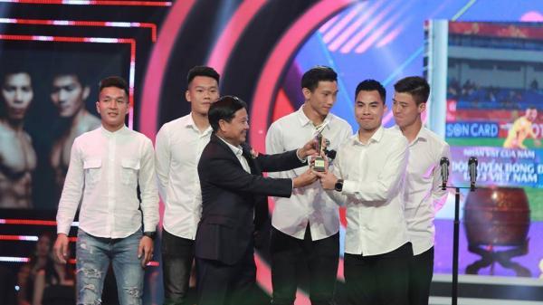 """Đức Huy phát biểu """"đốn tim"""" người hâm mộ khi trở thành Nhân vật của năm VTV Awards 2018"""