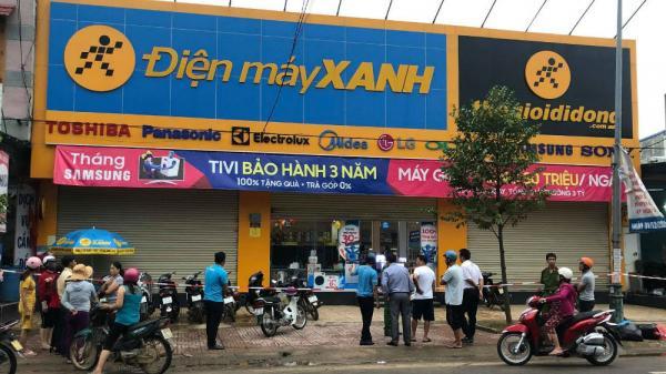 NÓNG: Bảo vệ rút dao đâm chết nữ quản lý siêu thị Điện máy Xanh
